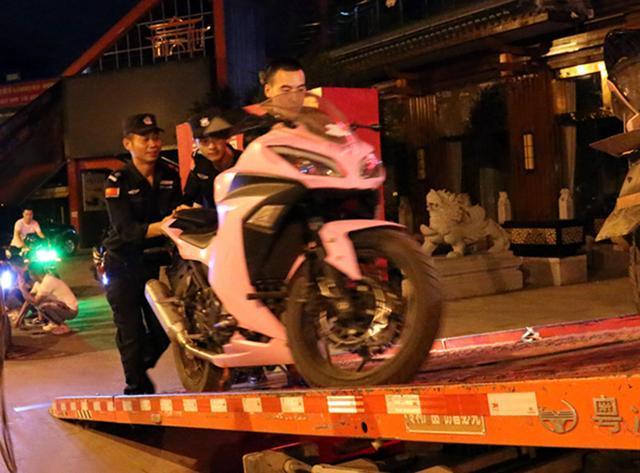 石柱县公安局开展摩托车噪音整治,查扣非法改装摩托车23辆!