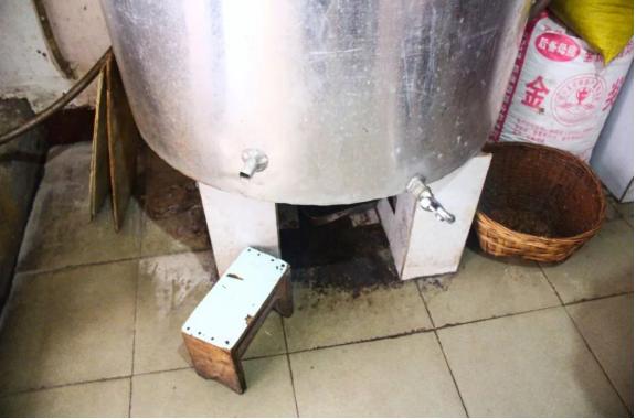 石柱的老酒罐些喝了这么多年的酒,晓得高粱酒是如何酿成的不?